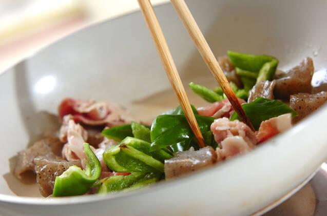 板コンニャクのピリ辛炒めの作り方の手順4