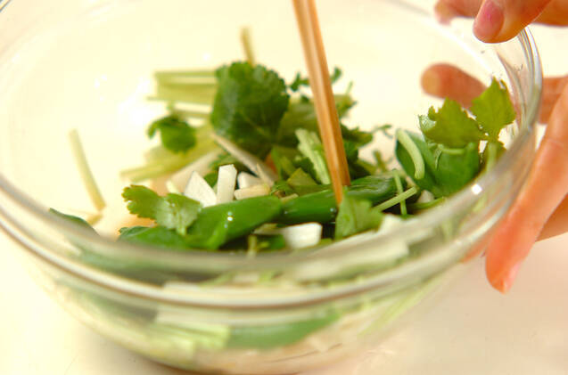ウドのサラダの作り方の手順5