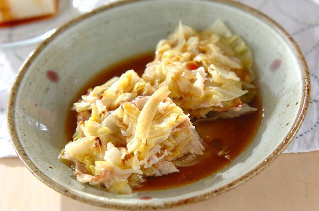 レンジでキャベツと豚肉のバター蒸し