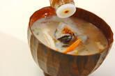具だくさんのカキ入り粕汁の作り方4