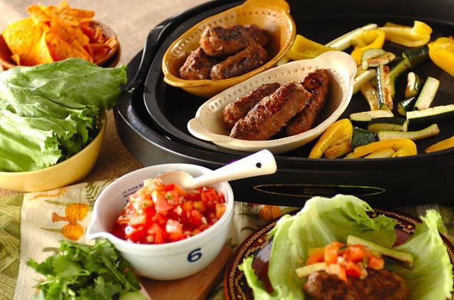 ホットプレートで作るシシカバブと野菜の菜包み