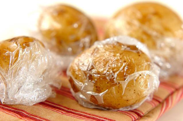 カレーバター風味のジャガイモのホイル焼きの作り方の手順1