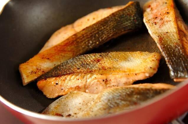 鮭とキャベツのワイン蒸しの作り方の手順4