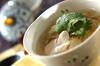 セロリとモヤシのチキンスープの作り方の手順