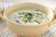 シイタケのミルクスープ