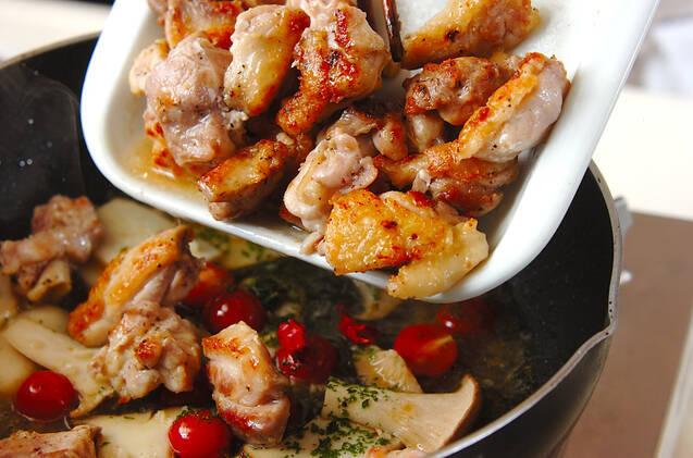 鶏肉のハーブ風味ソテーの作り方の手順3