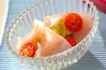キャベツと生ハムのハーブサラダ