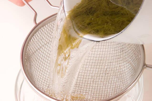 もずく酢の作り方の手順1