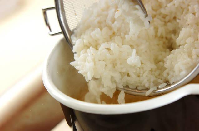 卵雑炊の作り方の手順2