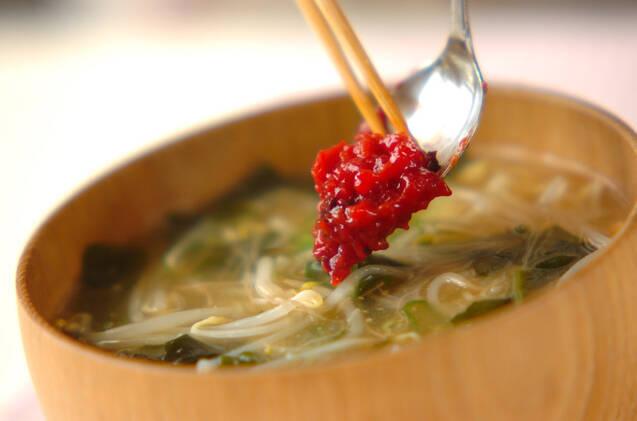 モヤシの辛梅みそ汁の作り方の手順5