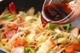 イカと野菜のソース炒めの作り方3