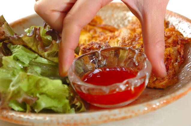 フライパンで具だくさん卵焼きの作り方の手順7