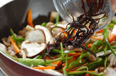 春雨と豚肉の炒め物の作り方7