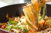春雨と豚肉の炒め物の作り方9