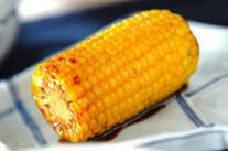 フライパンで焼きトウモロコシ