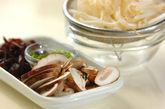 キクラゲとシイタケのスープの下準備1