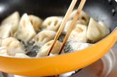 レンコンとイカのバジル炒めの作り方1