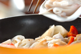 レンコンとイカのバジル炒めの作り方2