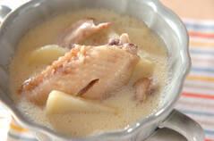 手羽先の豆乳スープ