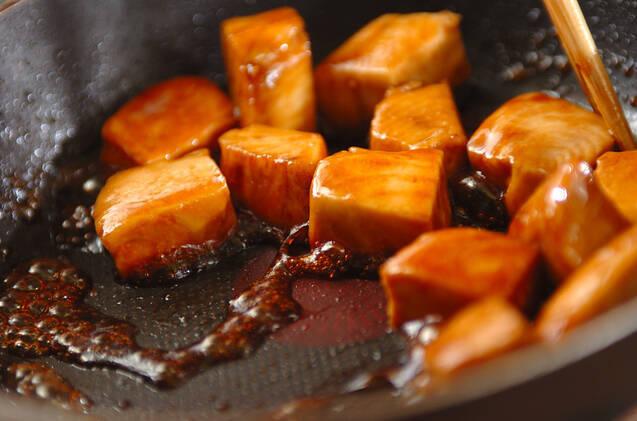 マグロの炒め煮の作り方の手順2
