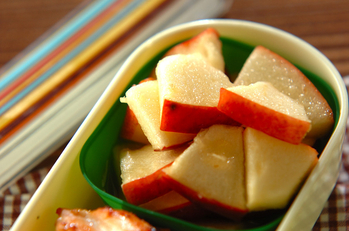 リンゴのジンジャーマリネ