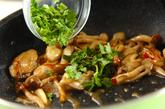 カキとシメジのアジアン甘辛炒めの作り方3