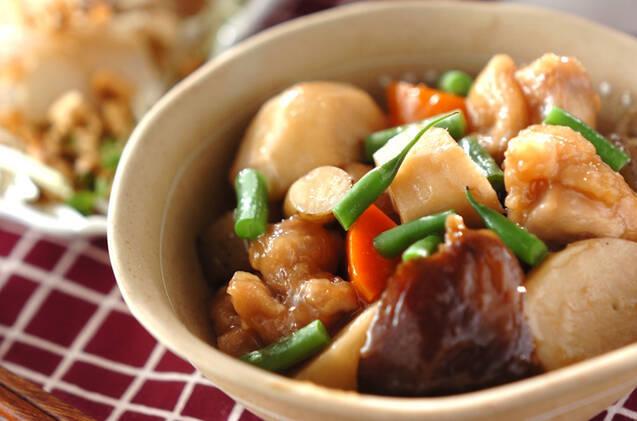 旨味しみしみ!「れんこんとこんにゃくの甘辛煮」のレシピ&アレンジ5品の画像
