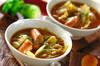 春キャベツとウインナーのカレースープ