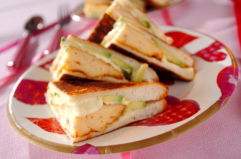 2. アボカドとクリームチーズのホットサンド