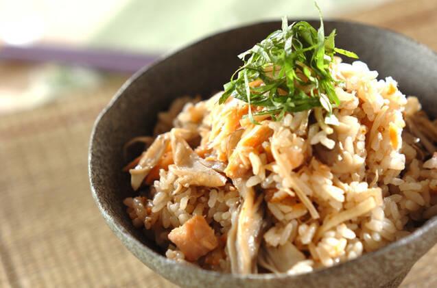 ショウガと鮭の炊き込みご飯の料理写真