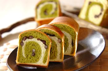 抹茶のうずまきパン