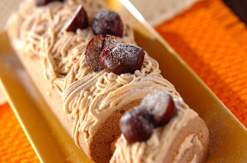 3. モンブランロールケーキ