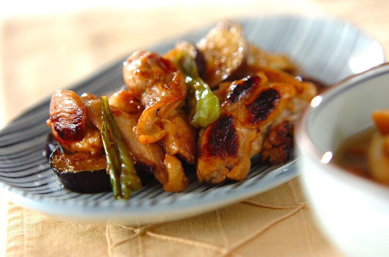 鶏とナスのニンニク醤油炒め