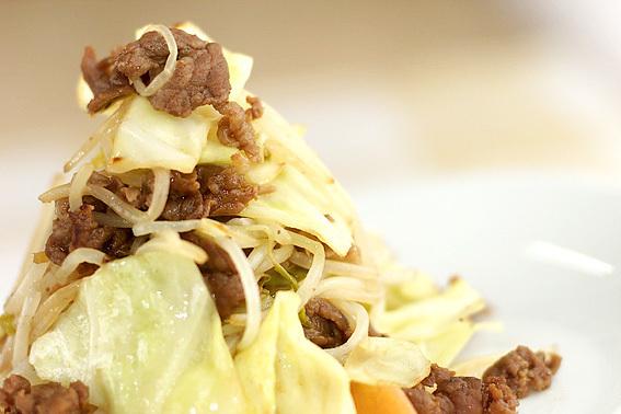 牛肉とキャベツのシンプル野菜炒め