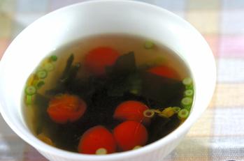 ワカメとプチトマトのスープ