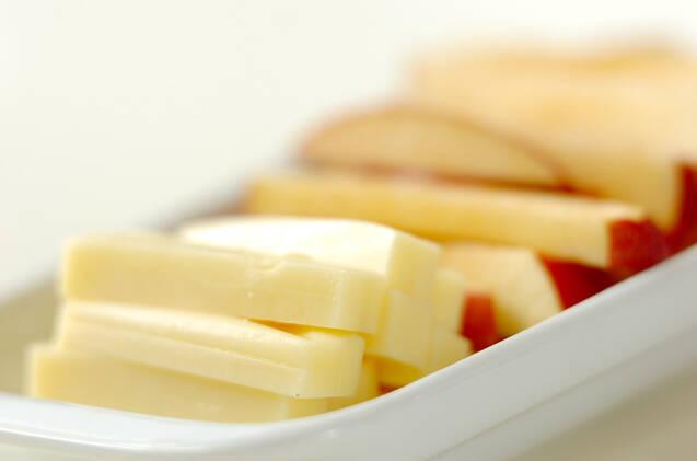 リンゴのロールカツの作り方の手順1