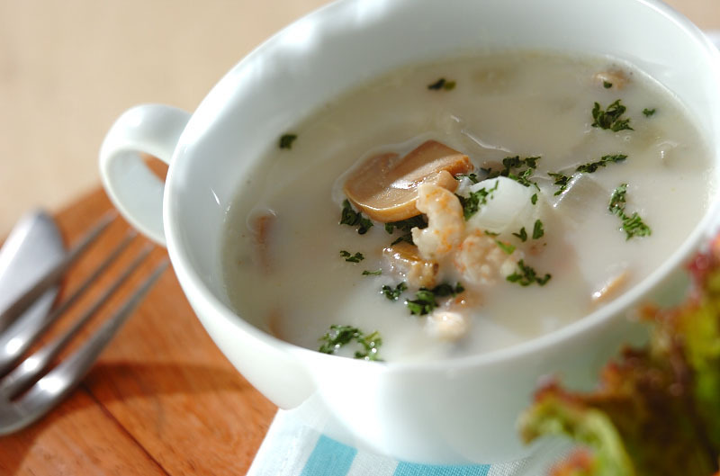 3. 旨味たっぷりシーフードスープ