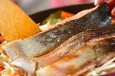 鮭ジャガのチャンチャン焼き風の作り方1