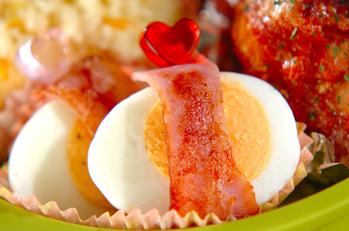 ゆで卵のベーコン巻き