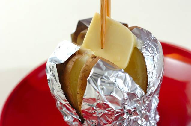 熱々バターポテトの作り方の手順4