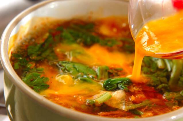 卵のキムチスープの作り方の手順4