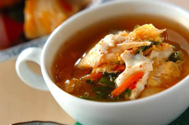 豆腐とたまごのキムチスープ