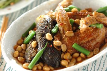 手羽先と大豆の煮物
