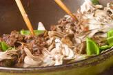牛肉とレタスのオイスター炒めの作り方3