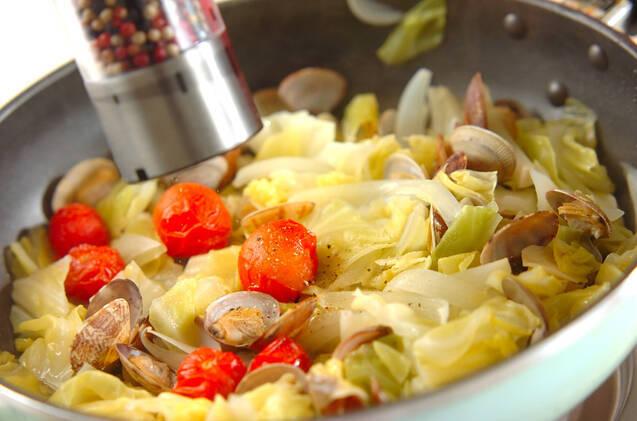 アサリと春キャベツの蒸し煮の作り方の手順7