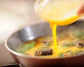 サンマ缶のピリ辛卵とじ丼の作り方6