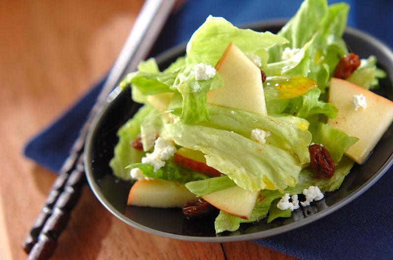 りんごとレーズンのサラダ