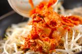 モヤシのキムチマヨ卵炒めの作り方1