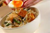 モヤシと厚揚げのオイスターソース丼の作り方4