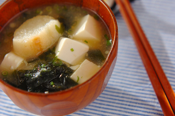 豆腐と麩のみそ汁